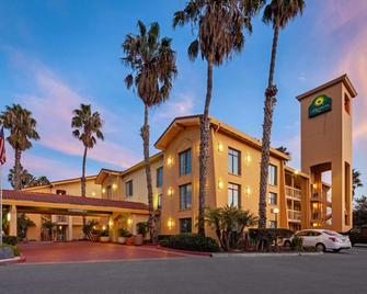 La Quinta Inn by Wyndham Ventura - Ventura - Edificio