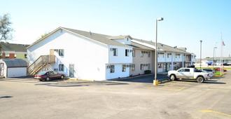 Luxury Inn & Suites - Lincoln