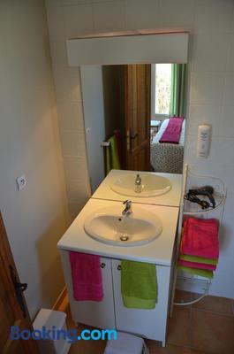 Villa Des Cammaous - Saint-Jean-de-Cuculles - Bathroom