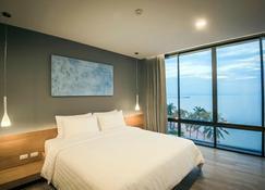 Kalm Bangsaen Hotel - Chonburi - Bedroom
