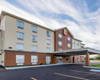 Super 8 by Wyndham Mont Laurier - Mont-Laurier - Building