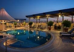 迪耶拉怡東大飯店 - 杜拜 - 游泳池