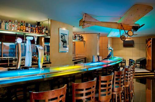 迪耶拉怡東大飯店 - 杜拜 - 酒吧