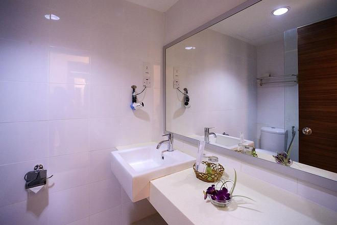 Bella Vista Express Hotel Langkawi - Langkawi Island - Bathroom