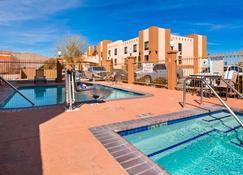 Best Western Joshua Tree Hotel & Suites - Yucca Valley - Pool