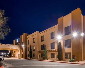 Best Western Joshua Tree Hotel & Suites - Yucca Valley - Building