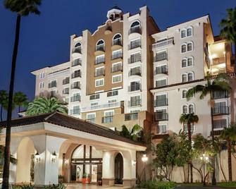 Embassy Suites by Hilton Santa Ana Orange County Airport - Санта-Ана - Building