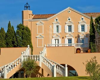 Club Vacanciel Roquebrune - Fréjus - Gebäude