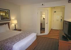 La Quinta Inn & Suites by Wyndham Tampa Brandon West - Tampa - Soverom