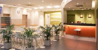 Ueno Hotel - טוקיו - דלפק קבלה