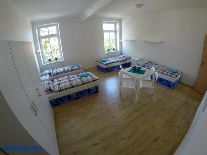 Centrum Ubytovani Breclav - Břeclav - Bedroom