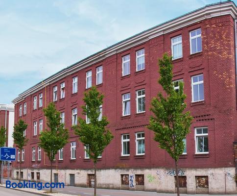 Centrum Ubytovani Breclav - Břeclav - Building