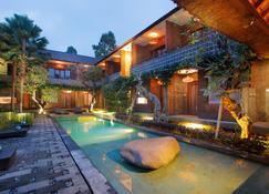 Mangosteen Ubud By Premier Hospitality Asia - Ubud - Piscina