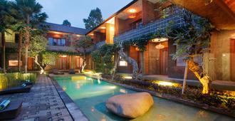 Mangosteen Ubud By Premier Hospitality Asia - Ubud - Pool