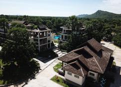 Myanmar Han Hotel - Nyaung-U - Outdoors view