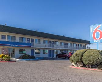 Motel 6 Deming - Deming - Building