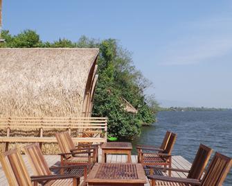 Bamboo Bungalow - Kampot - Innenhof