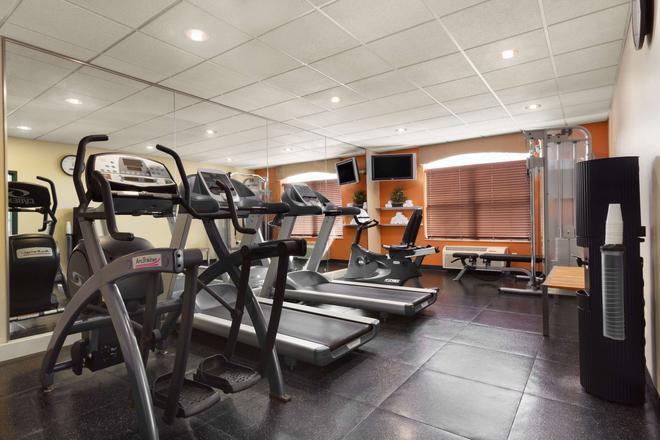 Country Inn & Suites by Radisson, Potomac Mills - Woodbridge - Gym