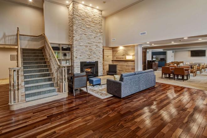 Country Inn & Suites by Radisson, Potomac Mills - Woodbridge - Lobby