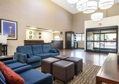 Comfort Suites Airport - Alcoa - Σαλόνι ξενοδοχείου