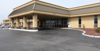 Americas Best Value Inn & Suites Greenville - Greenville