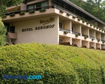 Hotel Berghof - Biersdorf - Gebäude