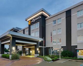 La Quinta Inn & Suites By Wyndham Starkville At Msu - Starkville - Building