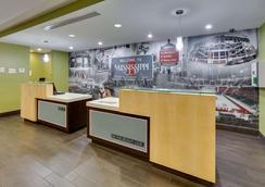 La Quinta Inn & Suites By Wyndham Starkville - Msu - Starkville - Recepción