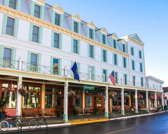 Chippewa Hotel Waterfront - Mackinac Island - Gebouw