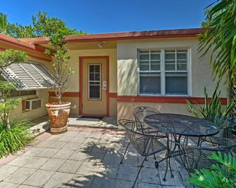 Miami Beach Homestay - Норт-Маямі-Біч - Patio