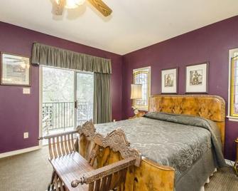 Messina Hof Winery & Resort - Bryan - Bedroom