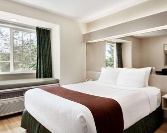 Microtel Inn & Suites by Wyndham Lodi/North Stockton - Lodi - Bedroom