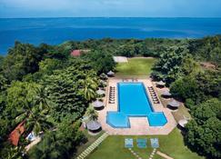 Vivanta Colombo, Airport Garden - Gampaha - Zwembad