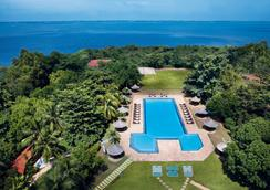 The Gateway Hotel Airport Garden Colombo - Gampaha - Pool