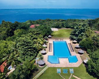 Vivanta Colombo, Airport Garden - Gampaha - Pool