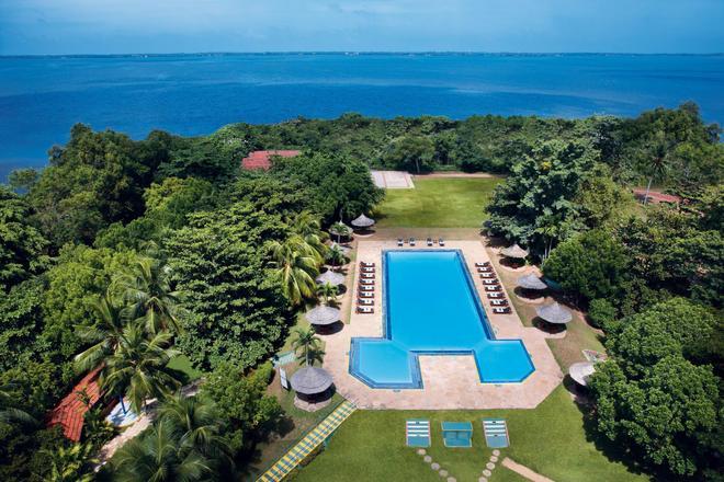 The Gateway Hotel Airport Garden Colombo - Gampaha - Πισίνα