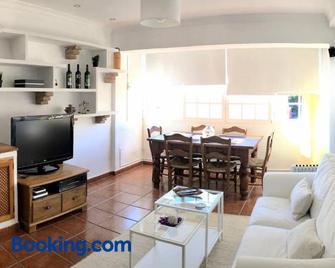 Piso en San Roque, centro neurálgico del Campo de Gibraltar - San Roque - Living room