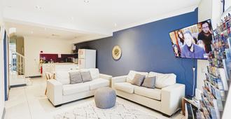 Manly Beach House - סידני - סלון