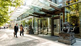 Shangri-La Hotel, Vancouver - Vancouver - Edificio