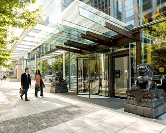 Shangri-La Hotel, Vancouver - Vancouver - Building