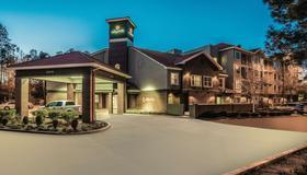 La Quinta Inn & Suites by Wyndham Flagstaff - Flagstaff - Gebäude