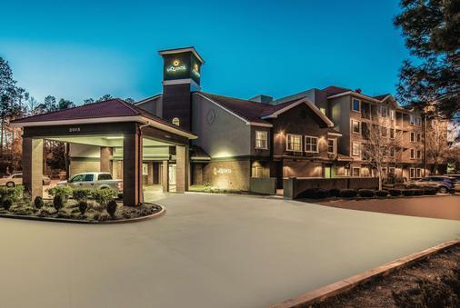 La Quinta Inn & Suites by Wyndham Flagstaff - Flagstaff - Building
