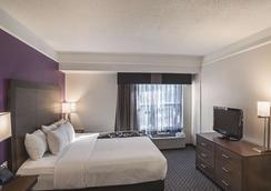 La Quinta Inn & Suites by Wyndham Flagstaff - Flagstaff - Bedroom
