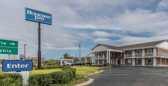Rodeway Inn - Jackson - Building