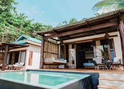 Yemaya Island Hideaway Hotel - Little Corn Island - Pool