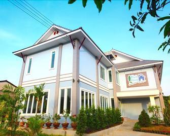 Blue House Sukhothai - Sukhothai - Building