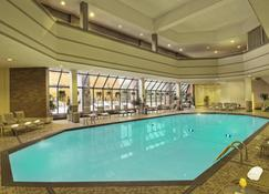 Crowne Plaza Aire Msp Airport - Mall Of America, An Ihg Hotel - Bloomington - Zwembad