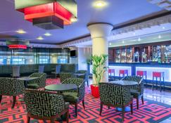 Crowne Plaza Liverpool John Lennon Airport - Liverpool - Bar