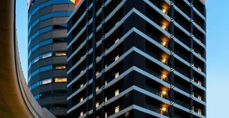 Apa Hotel Osaka Umeda - Osaka - Building