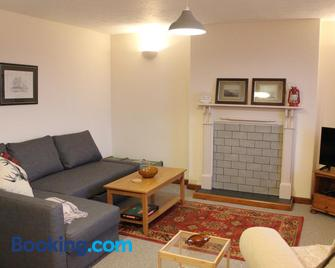 The Lookout - Pembroke Dock - Living room